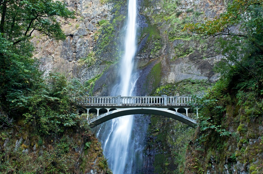 multnomah-falls-bridge_fJk14wd_